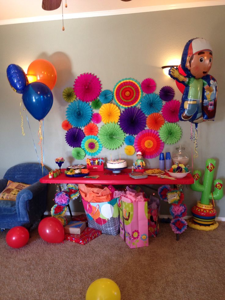 Handy manny fiesta birthday party we like theme parties for Handy manny decorations
