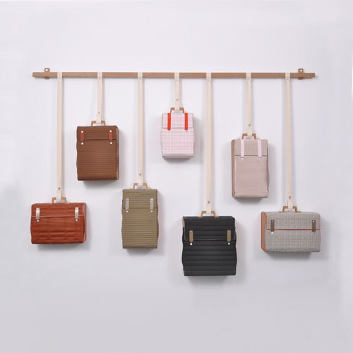woonhome-interieur-hout-design-nederlandse-designers-tassen-kast-lotty-lindeman