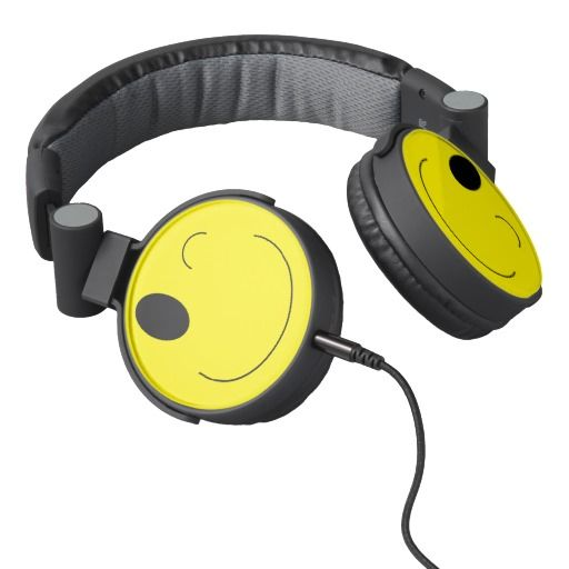 Emoji DJ Headphones make a great gift for the music lover! Padded for comfort with on-ear swivel cup, 40mm drivers, 5' break-away cord and built-in answer button & microphone to take calls. Teens and tweens will love these!