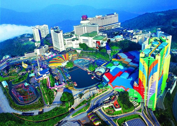 Genting Highlands, Pahang, Malaysia – City of Entertainment - http://blog.travelbuddee.com/genting-highlands-pahang-malaysia/