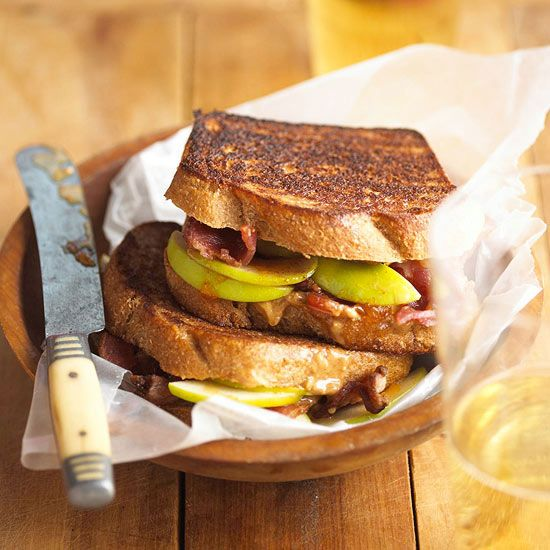 Bacon lovers will not be able to put down these Peanut Butter and Apple-Bacon Sandwiches! More Bacon recipes: http://www.bhg.com/recipes/pork/ham/bacon-recipes/?socsrc=bhgpin080313peanutbutterapple=7