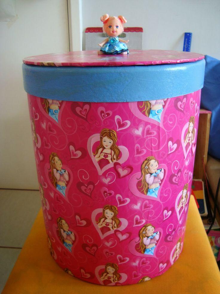 Barrica de massa corrida revestida com papel e puxador de boneca chaveiro!