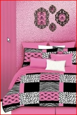 Pink and black bedrooms are so totally cool and there are numerous ways to incorporate your unique style into the decor. Here are some pink and...