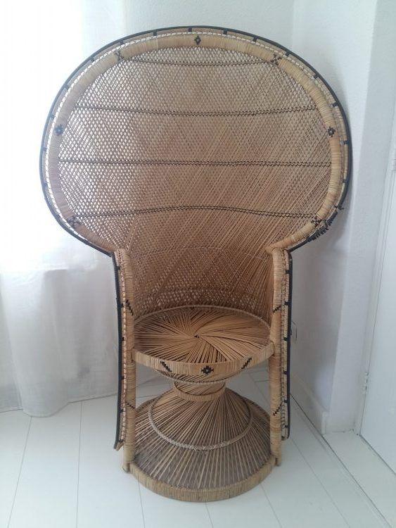 Vintage beauty! Deze originele jaren '70 peacock chair met zwarte details maakt iets heel bijzonders van jullie bruiloft. Ideaal voor de boho bruid.