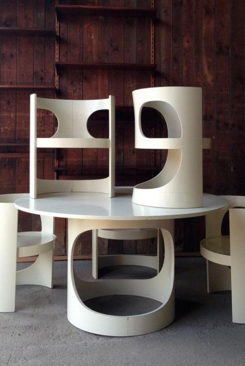 Arne Jacobsen; Lacquered Plywood 'Pre Pop' Dining Table for Asko, c1970.