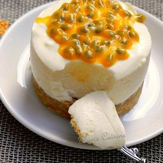 Tarte mousse au yaourt à la vanille, passion et orange