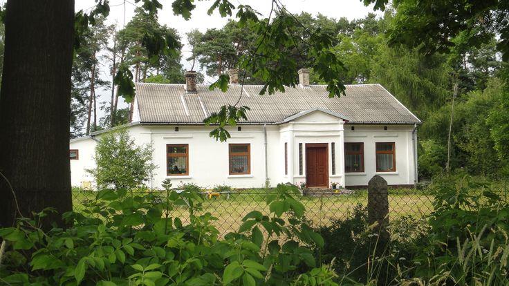 Odnowiona Leśniczówka z I połowy XIX wieku