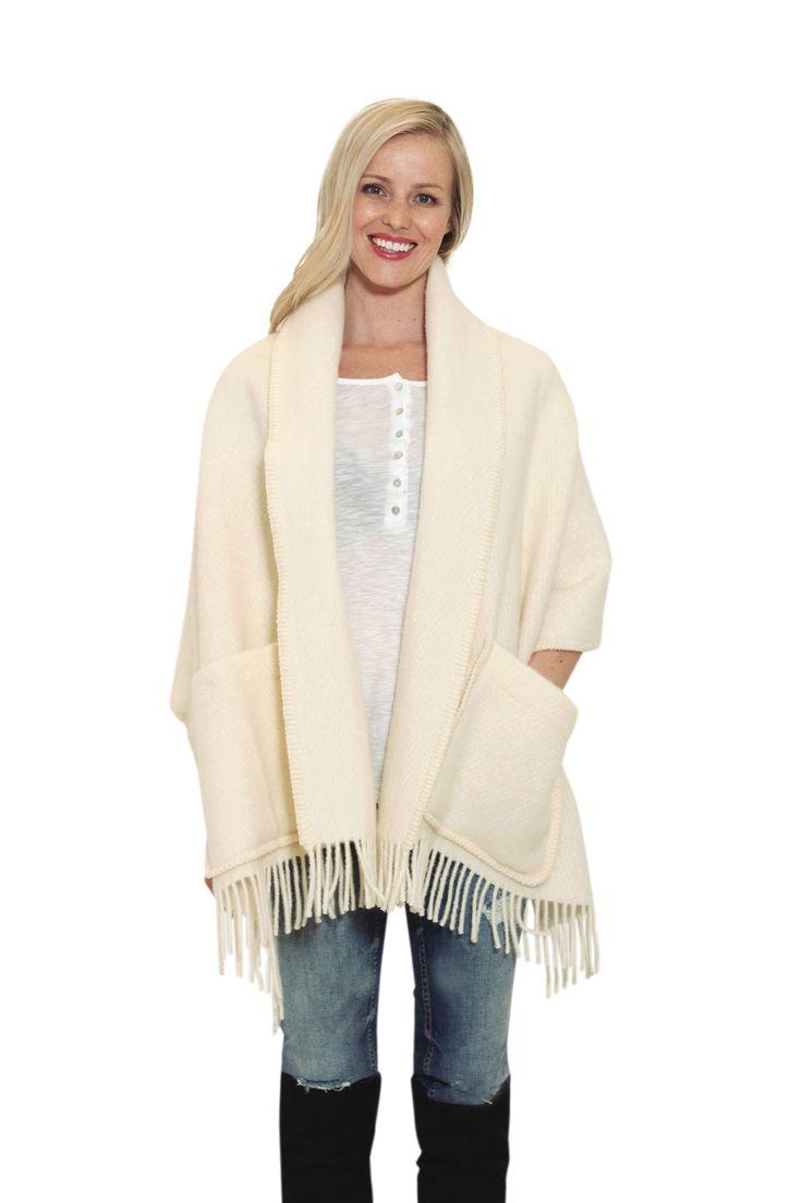 Ragnhild sjal, norsk ulldesign. Ragnhild shawl, norwegian wooldesign fashion