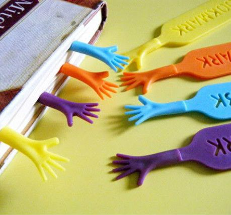 4pcs 'Help Me' Colorful Bookmarks set plastic novelty Item creative gift for kids chidren free shipping 631
