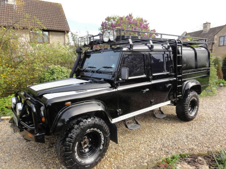 17 best ideas about land rover defender 130 on pinterest land rover 130 land rover pick up. Black Bedroom Furniture Sets. Home Design Ideas