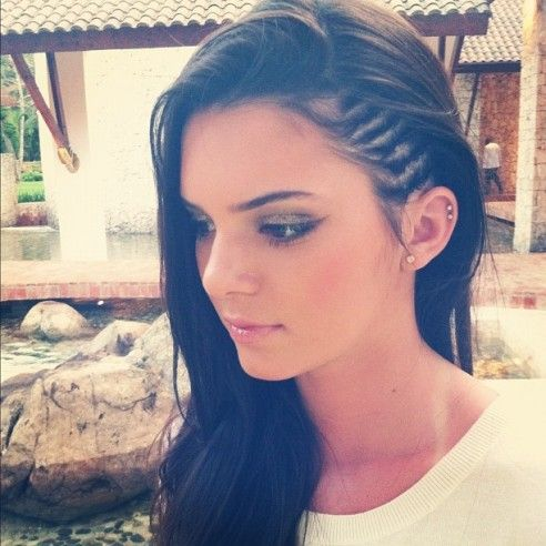 cornrows <3 for that punk rock but soft look!: Hairstyles, Side Cornrows, Hairmakeup, Kendall Jenner, Hair Makeup, Hair Style, Side Braids, Ears Piercing, Kendalljenner
