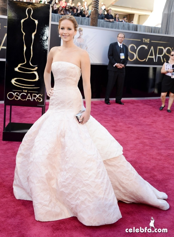 Jennifer Lawrence Oscars 2013 Red Carpet
