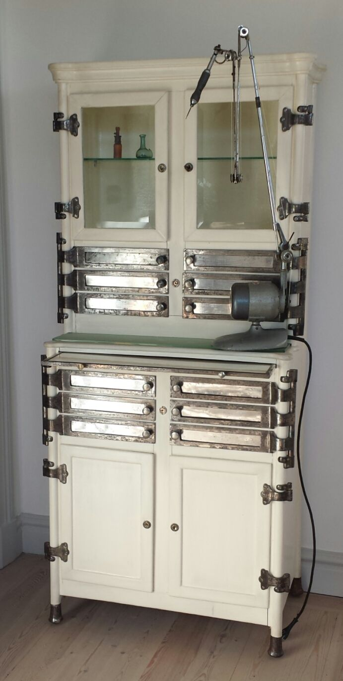 FOR SALE!!! Dental cabinet with drill. Tandläkarskåp och borr. #cabinet #dental #tandläkarskåp #industridesign #bathroom #badrum #industrial