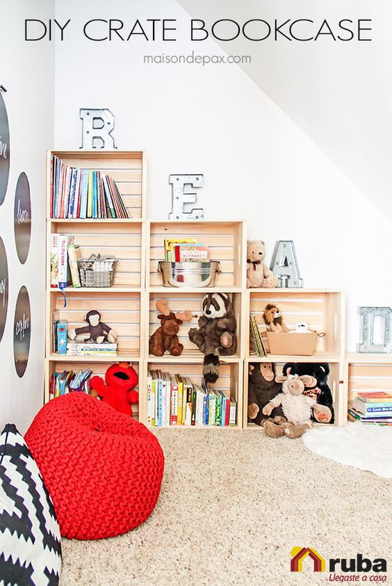 Si tus pequeños tienen muchas cosas una idea perfecta para ti es esta, organízate y decora con cajones de madera y logra resultados increíbles #HabitaciónRuba Si te gusto te recomendamos visitar http://www.okdecoracion.com/729/cajas-creativas-para-cuarto-chicos/