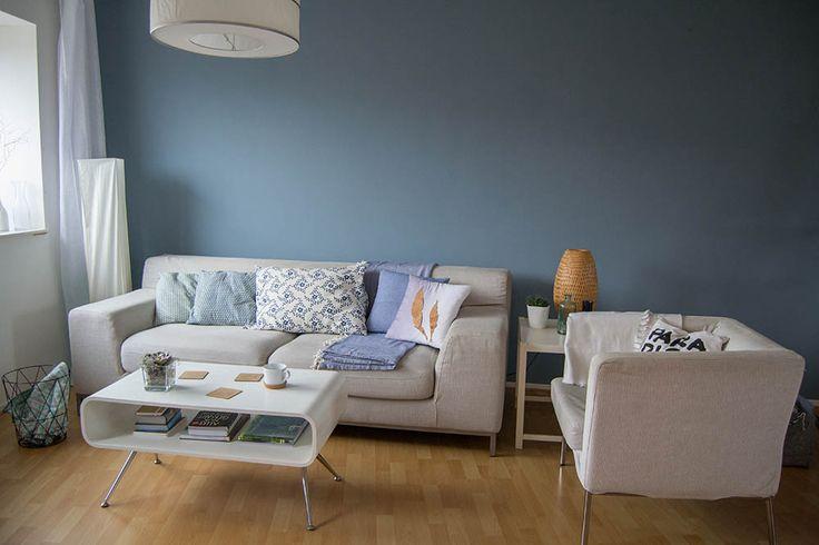 wohnzimmer makeover mit wandfarbe bau pinterest blaue wand farbe blau und matt. Black Bedroom Furniture Sets. Home Design Ideas