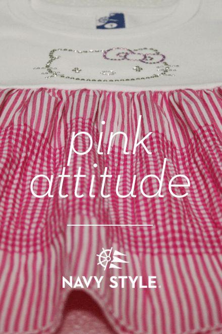 Pink attitude, navy style