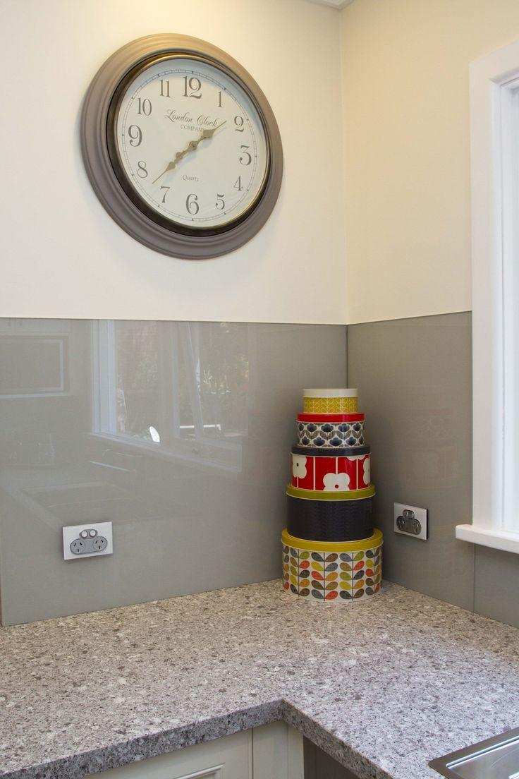 Traditional kitchen. Caesarstone benctop with glass splashback. www.thekitchendesigncentre.com.au