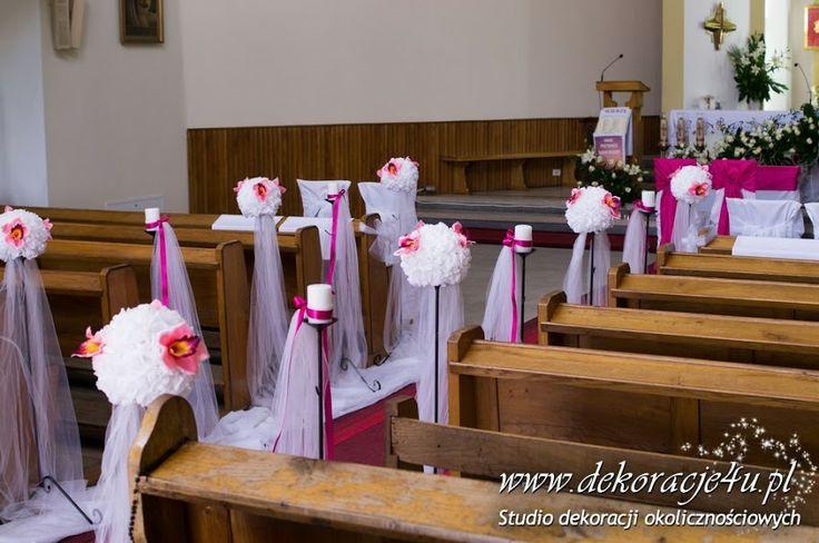 Dekoracja kościoła kule kwiatowe na stojakach - www.dekoracje4u.pl