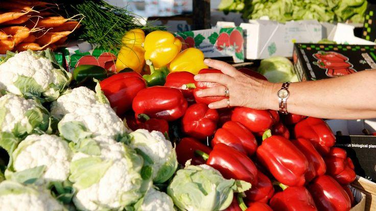 Kasvisten syöminen ei tee hyvää ainoastaan terveydelle, vaan myös ilmastolle ja taloudelle, osoittaa uusi tutkimus.