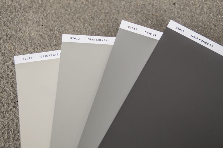 The frst Grey shades of the collection from 1931.