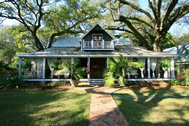 Renovated historic creole cottage fairhope my dream home for Cajun cottages