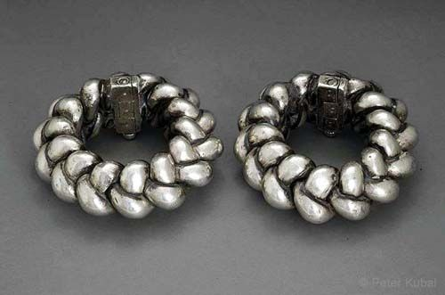India | Pair of huge Silver chain anklets. Solid cast work.| ca. 1880, Gujarat.