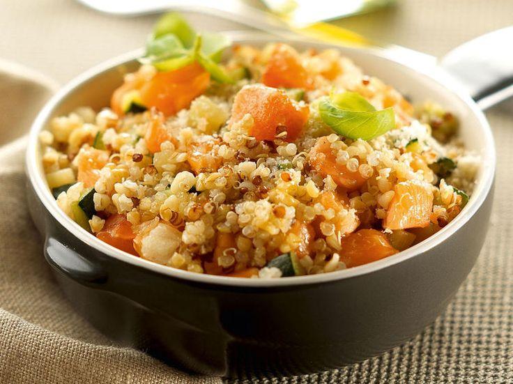 Avec les lectrices reporter de Femme Actuelle, découvrez les recettes de cuisine des internautes : Risotto de quinoa, courgette et saumon