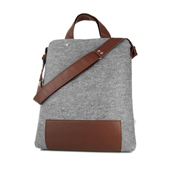 MAXI felt bag - Purol Design  MAXI is a bag made of felt and leather, fastend with a zip. Convenient to carry in hand or on arm