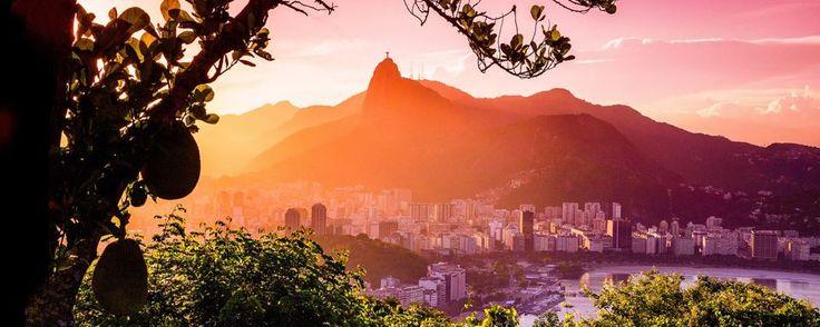 Classé parmi les 7 nouvelles merveilles du monde, le Corcovado de Rio et sa statue du Christ Rédempteur - #brazil #easyvoyage #easyvoyageurs #clubeasyvoyage #terresdevoyages #travel #traveler #traveling #travellovers #voyage #voyageur #holiday #holidaytravel #nature #tourism #tourisme #corcovado de #rio #bresil