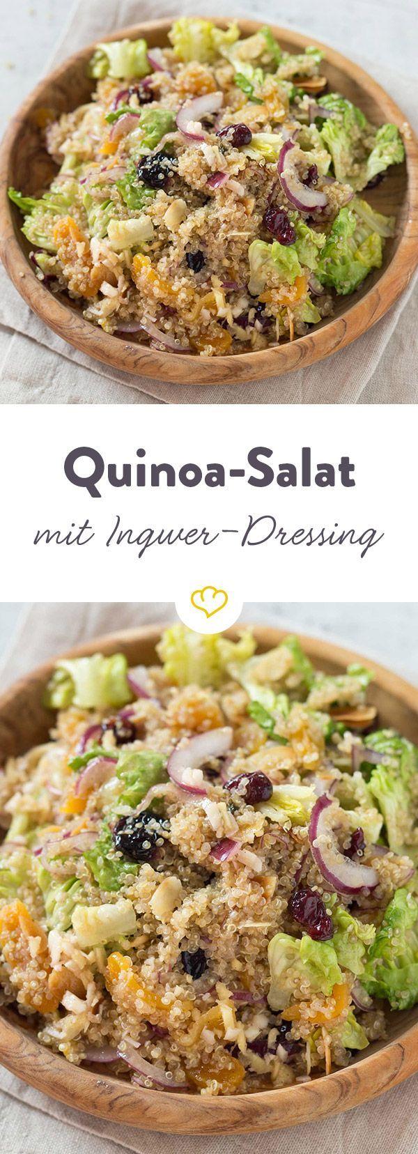 Süßes Trockenobst, knusprige Mandelblättchen und das säuerlich-scharfe Dressing verwandeln schnöden Quinoa in einen super leckeren, gesunden Salat.