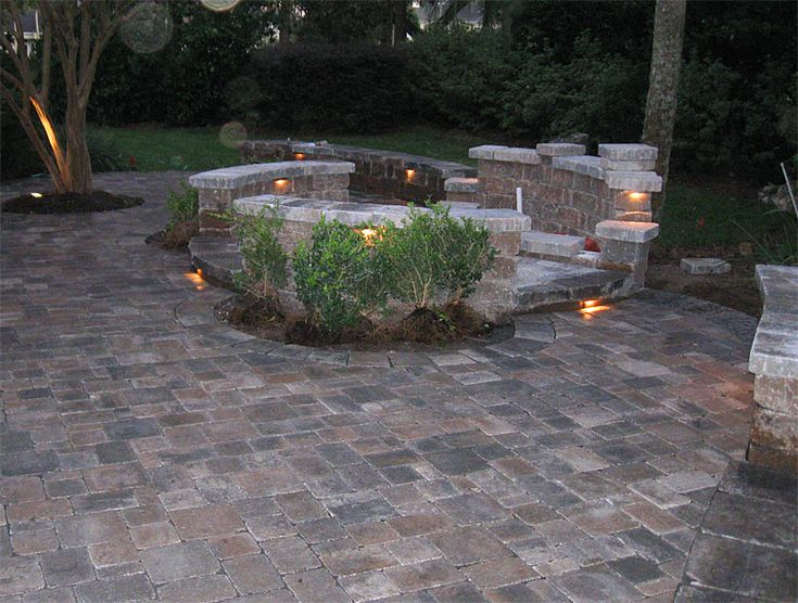 13 best images about fire pit on pinterest fire pits for Backyard brick fire pit