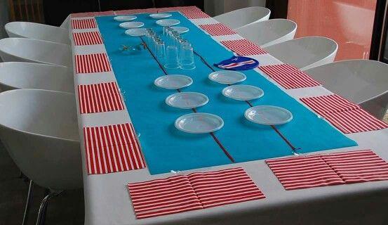 D coration de table d 39 anniversaire th me piscine natation for Table de piscine