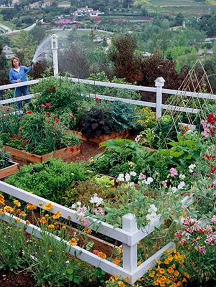 35+ Creative DIY How to Make Raised Garden Beds With Fence ...