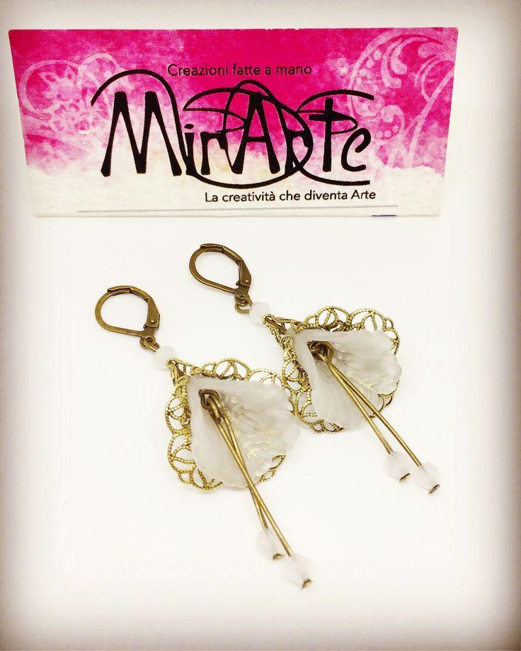 Earrings lucite flower/ orecchini fiore in lucite