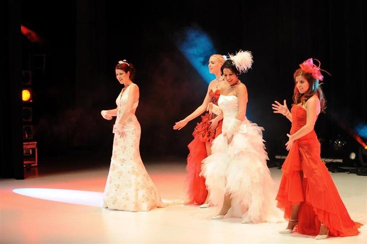 Europa's grootste bruidsmode huisshow voor bruid & bruidegom. reserveer je kaarten via www.koonings.com/agenda