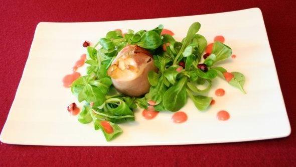 Rezept: Feigen im Speckmantel mit Feldsalat an Himbeervinaigrette