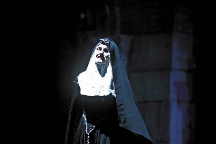 Gertrude, nota come la Monaca di Monza,interpretata da Susanna Pellegrini