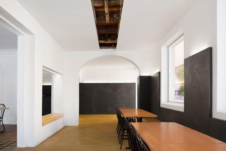 Impare Arquitectura, Ivo Tavares Studio · Académico Futebol Clube - Bar