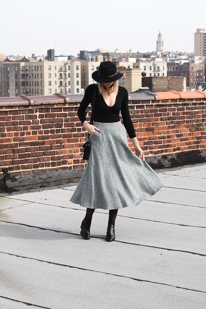 Find your dance with this dress, cool for work, cozy for weekend. See our blogger @linenlaceandlove looks in this dress.