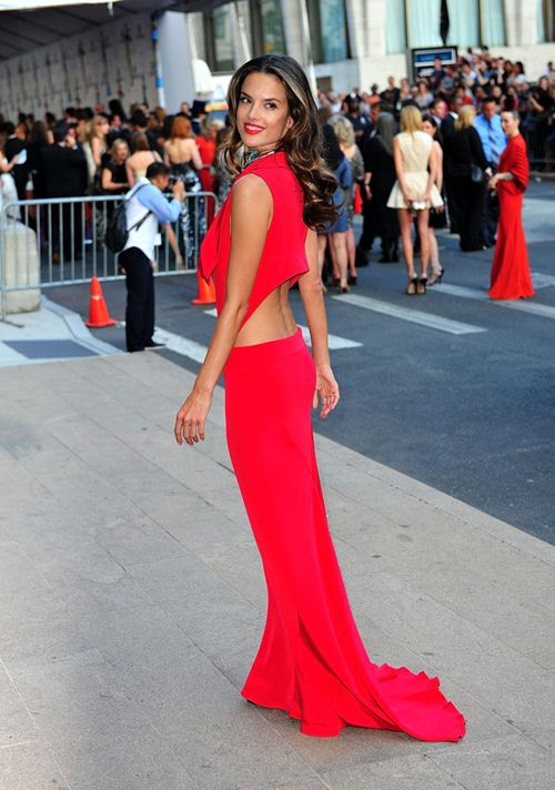 : Alessandraambrosio, Alessandra Ambrosio, Floors Length Dresses, Hot Dresses, Street Style, Red Carpets, Red Gowns, Victoria Secret, Colors Fashion