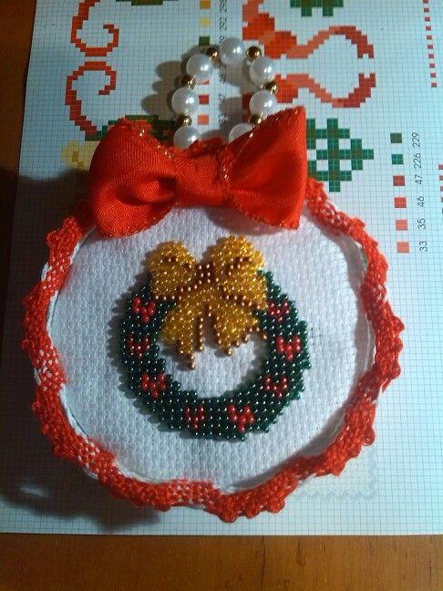 Ghirlandina natalizia ricamo di perline