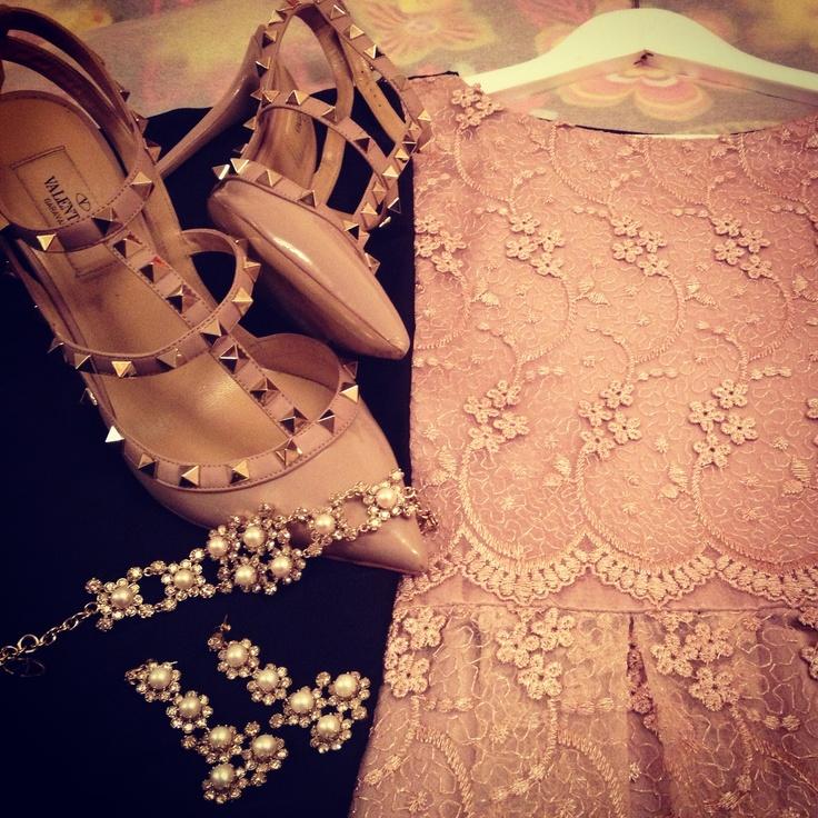 #Roselle #Valentino #Fashion #Abaya #Signature #Dubai #Doha