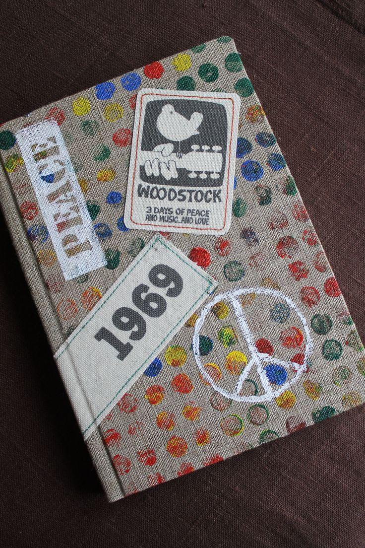 тут и рассказывать нечего, блокнот посвящён фестивалю WOODSTOCK`69