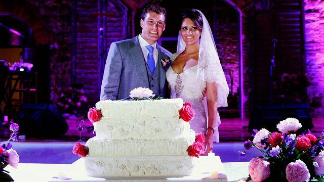 A GLAMOROUS WEDDING VIDEO AT CASTELLO DI MODANELLA, SIENA  - TUSCANY: CAROLINE & HENRY #glamorouswedding #castlewedding #weddingvideographeritaly #weddingvideographertuscany #weddingintuscany #weddingfilm #weddingvideo #weddinginitaly #destinationwedding #castellodimodanella #beautifulbride #romanticwedding #luxurywedding http://gattotigre.it/wedding