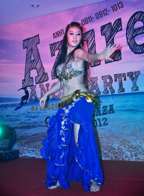 Điệu múa bellydance của Mỹ Linh.