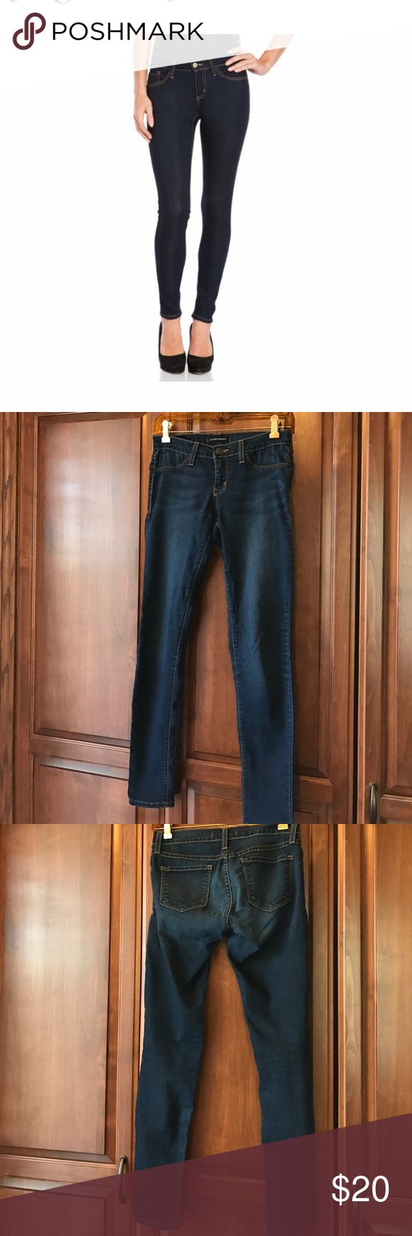 Flying Monkey Dark Rinse Skinny Jeans 💙 Cute style. Low rise. Perfect condition 71 cotton/27 poly/2 spandex. There is some stretch 💙 flying monkey Jeans Skinny
