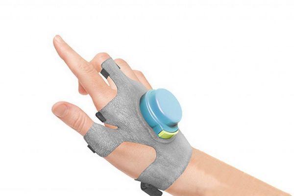 GyroGlove : un gant qui réduit les tremblements causés par la maladie de Parkinson