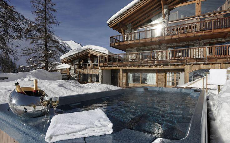 Chalet La Bergerie - Val d'Isere. Outdoor hot tub #valdisere #luxuryskichalet #ski #fireflycollection
