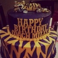 Les Miles had the most LSU birthday cake ever