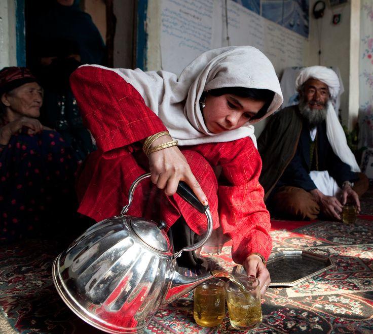 Green tea image, Afghan girl, Tea culture